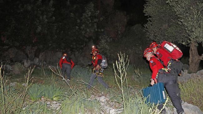 Muğla'da 4 saat süren kurtarma operasyonu... Kayalıklardan düştü