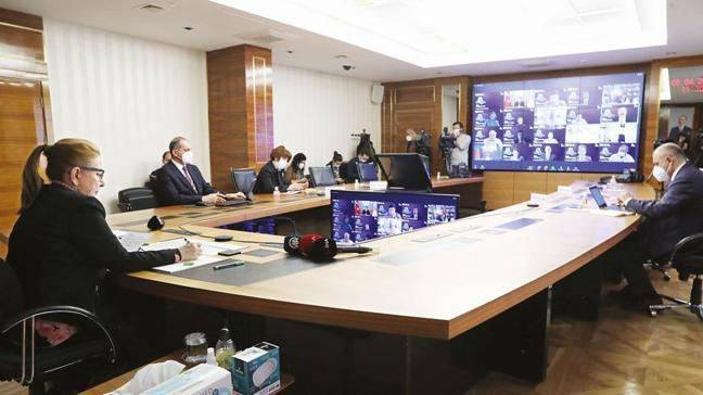 Ticaret Bakanı Ruhsar Pekcan'dan D-8'lere e-ticaret için iş birliği çağrısı