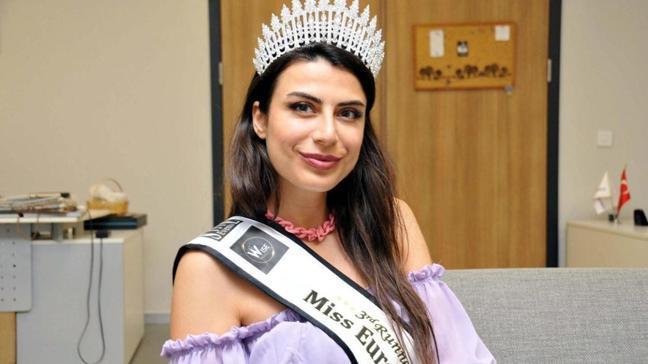 Türk manken Duygu Çakmak'tan büyük başarı! Lübnan'da düzenlenen 'Miss Europe 2021'de üçüncü oldu