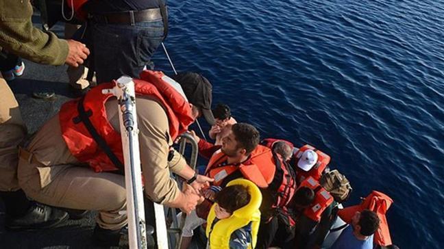 Ayvalık açıklarında mahsur kaldılar... 24 sığınmacı kurtarıldı