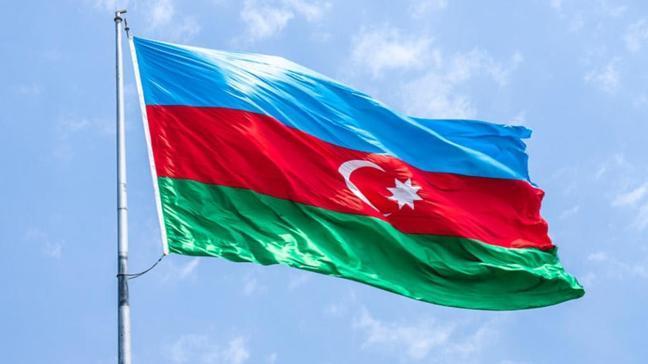 """Azerbaycan'ın kredi notu """"pozitife"""" döndü"""