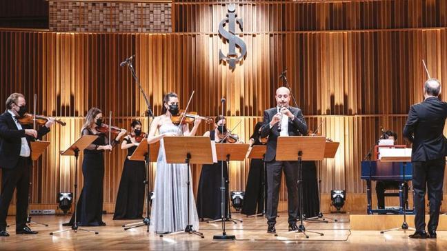 Dünyada bir ilk... Vivaldi'nin ölümsüz eseri Dört Mevsim Keman Konçertosu dört farklı kemanla ses buluyor