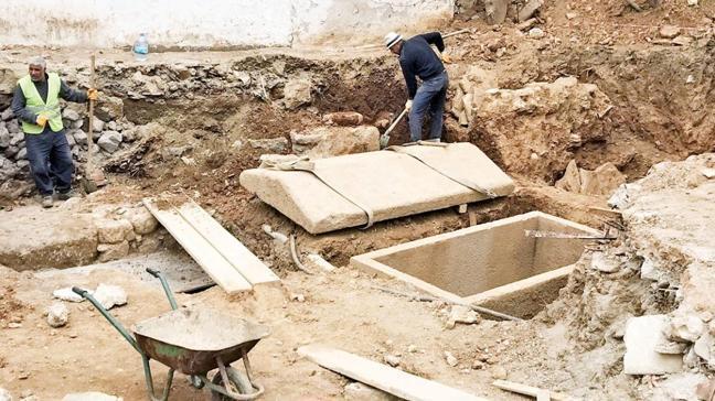 2400 yıllık mezar tarihe ışık tuttu