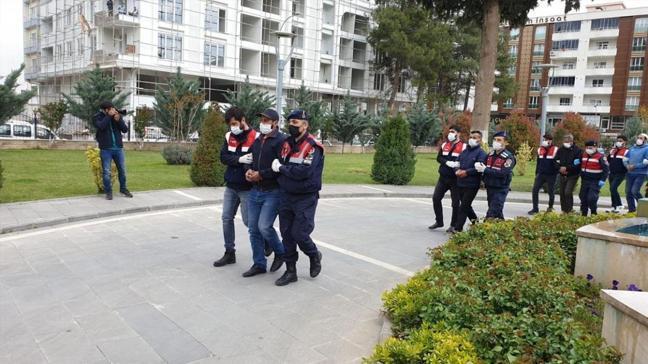 Terör örgütü DEAŞ'ın sözde emiri ile bombacısı yakalandı