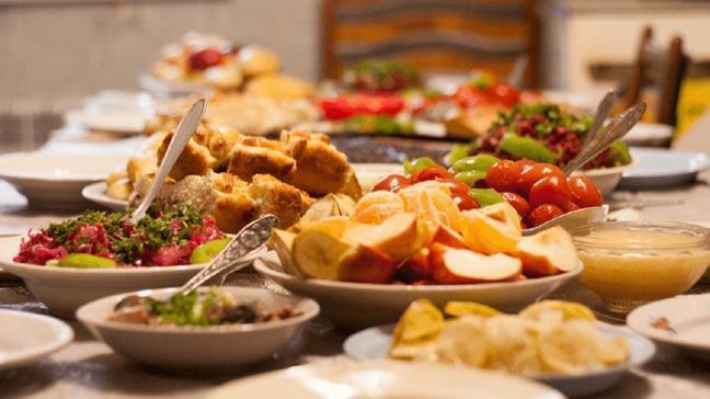 İftar ve sahurda bu besinlere dikkat! Sağlık sorunlarını tetikleyebilir