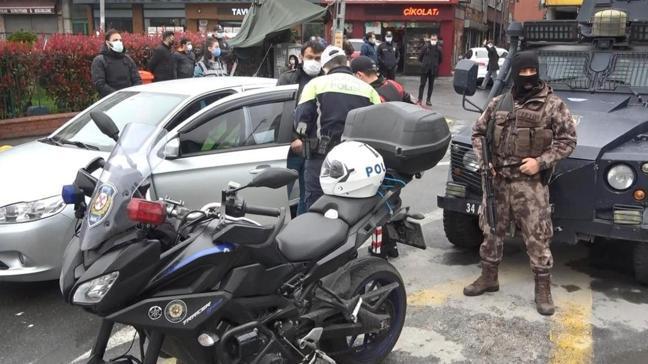 Polis ekipleri Okmeydanı'na giriş çıkışları kapatarak asayiş denetimi yaptı
