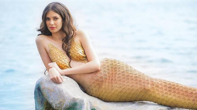 Defne Samyeli'nin kızı Deren Talu deniz kızı oldu