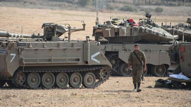 İsrail askeri araçları Gazze sınırında... Filistinlilerin arazilerine zarar verdiler