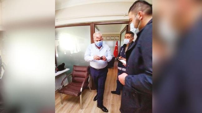 Pozitif olan avukat büroda yakalandı