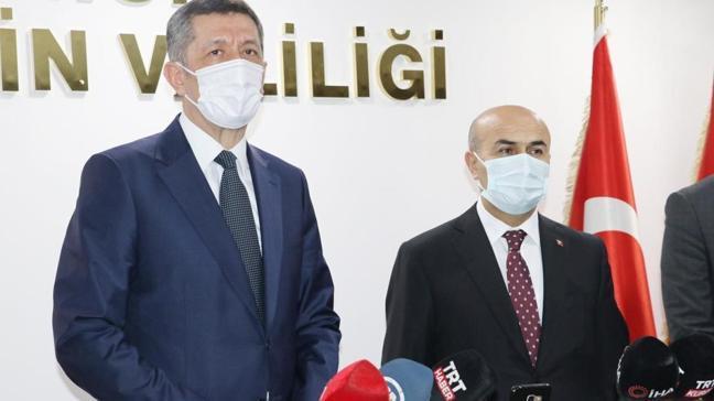 Bakan Selçuk'tan 23 Nisan açıklaması: Özel küçük gazete çıkarıyoruz
