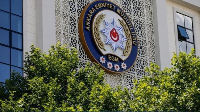 Darbe bildirisi hazırlayan emekli amiraller ifade vermek üzere Ankara TEM Şubesi'nde