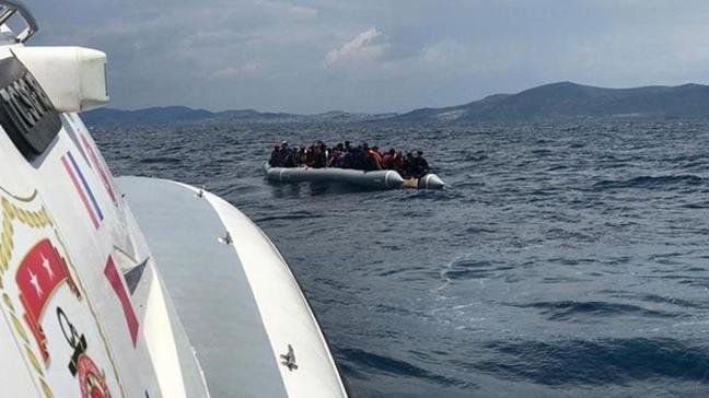 Yunanistan tarafından ölüme itilen 23 mülteci kurtarıldı