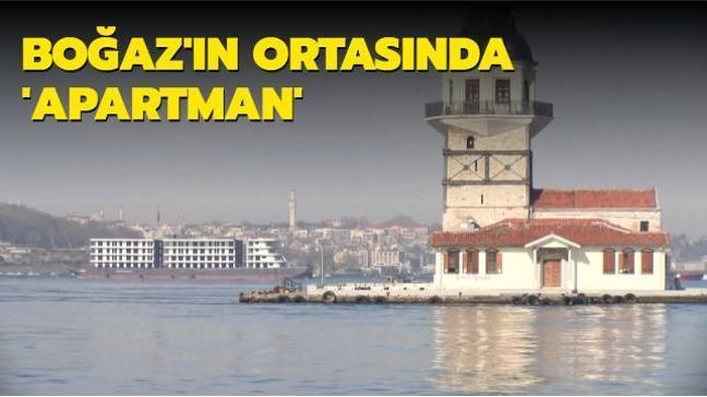 İstanbul Boğazı'nın ortasında şaşkına çeviren 'apartman'