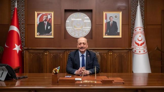 """Çalışma ve Sosyal Güvenlik Bakanı Vedat Bilgin'den 23 Nisan mesajı: """"Ülkemiz için yepyeni bir dönüm noktasıdır"""""""
