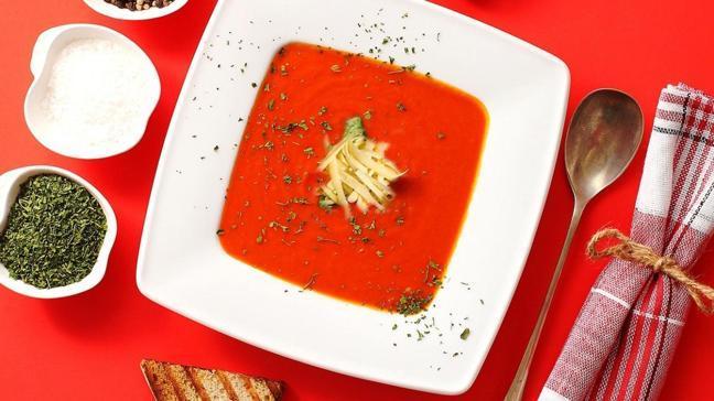 En kolay domates çorbası tarifi