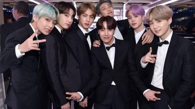 K-pop grubu BTS lüks markanın reklam yüzü oldu: Sosyal medya sallandı