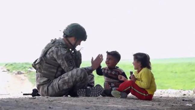 """Mehmetçikten """"23 Nisan özel"""" videosu"""