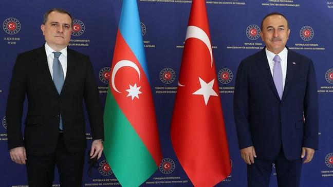 Dışişleri Bakanı Çavuşoğlu, Azerbaycanlı mevkidaşı Ceyhun Bayramov ile görüştü