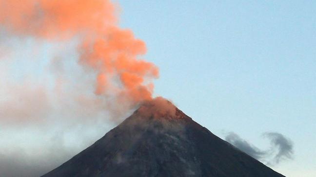 Japonya'daki Sakurajima Yanardağı'nda patlama oldu