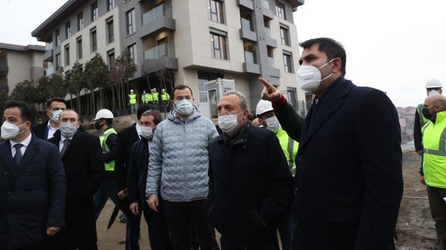 Bakan Kurum, Üsküdar'da kentsel dönüşüm alanlarını inceledi