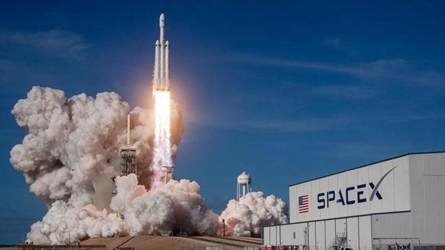 """Dört astronotu taşıyor... """"Crew Dragon"""" Uluslararası Uzay İstasyonu'na ulaştı"""