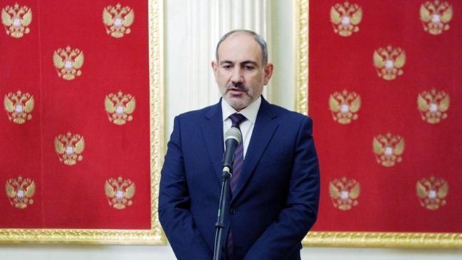 İşgalci Ermenistan Başbakanı Paşinyan istifa etti