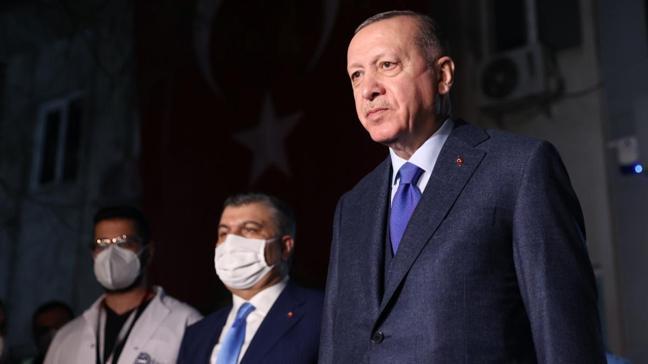Sağlık Bakanı Koca sağlık çalışanlarına moral veren Başkan Erdoğan'a teşekkür etti