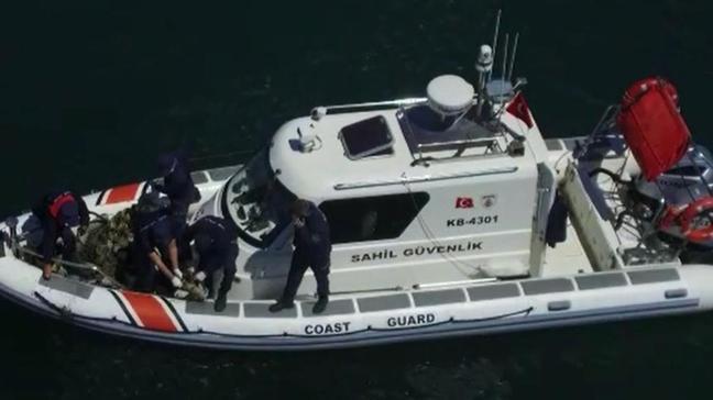 Çanakkale'de düzenlenen operasyonda denizden 757 ahtapot tuzağı temizlendi