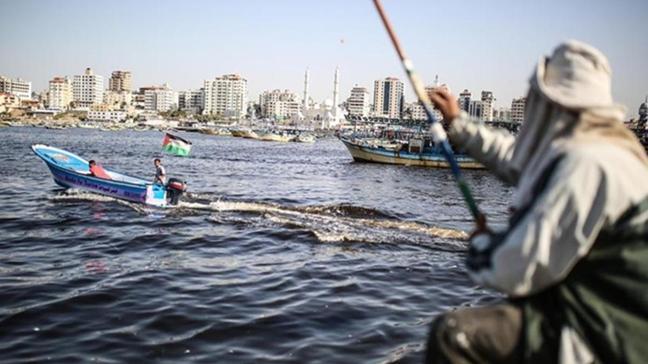 İsrail Gazze'de balık avlama mesafesini 15 milden 9 mile düşürdü