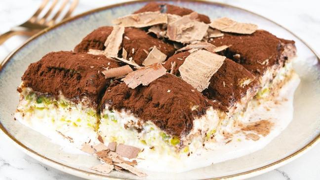 Kolay süt şerbetli çikolatılı ev baklavası
