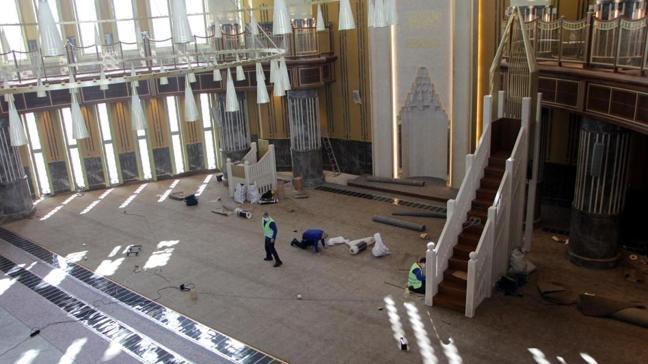 Taksim Meydanı'ndaki camide son hazırlıklar