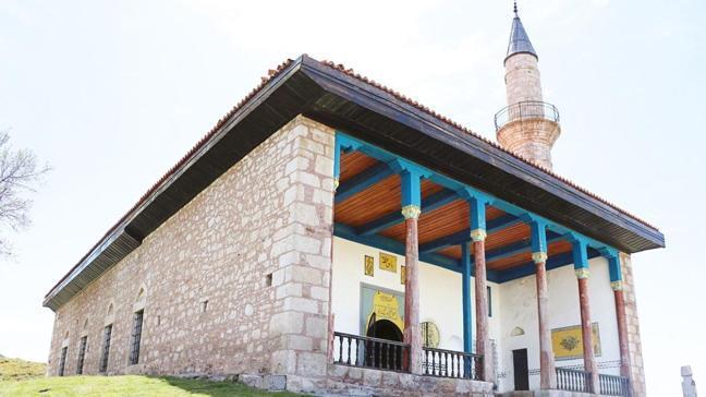 6 asırlık cami cuma namazı için açılıyor