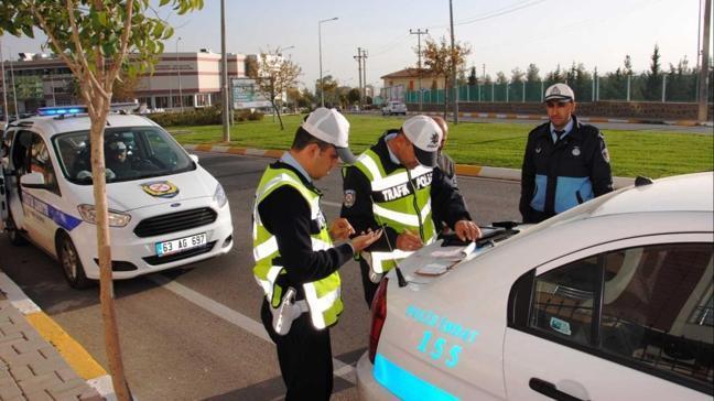 Üç günde 13 bin 633 kişiye ceza: Hız ihlali yaptılar