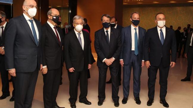 Cenevre'de Kıbrıs konferansı ikinci gününde sürüyor