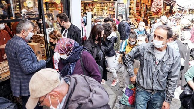 Prof. Dr. Levent Akın: Marketler sosyalleşme için kullanılıyor