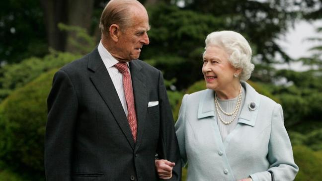 18 gün önce Prens Philip'i kaybeden Kraliçe Elizabeth'in son görüntüsü şaşırttı