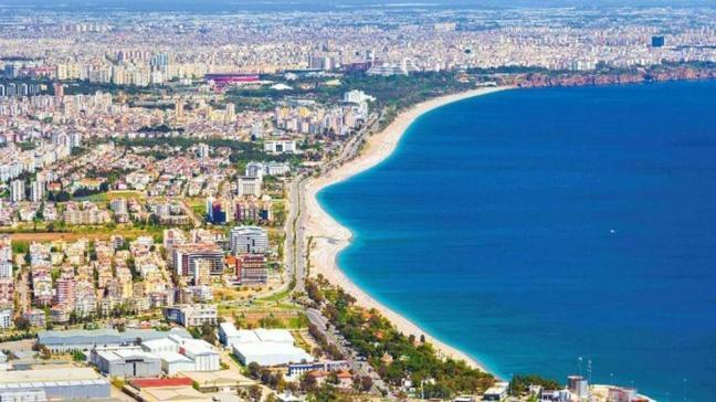 Antalya Serik'te 3 katlı binanın satışı yapılıyor