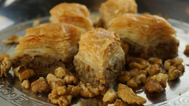 """Bugün ne pişirsem"""" Ramazan'ın 17. Günü iftar menüsü: Baklava ve sulu köfte tarifi"""