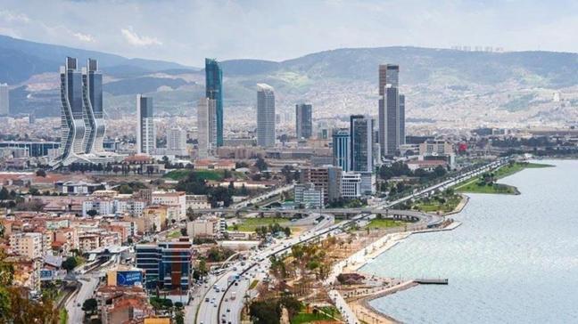 İzmir Bornova'da iki katlı bina ve arsa icradan satılıyor