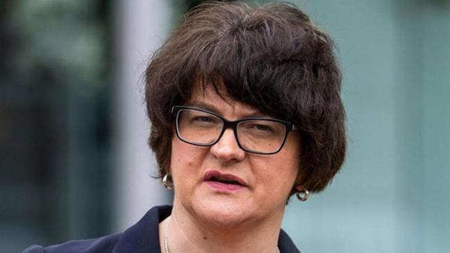Kuzey İrlanda yönetiminde karışıklık... Başbakan istifaya hazırlanıyor