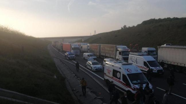Kuzey Marmara Otoyolu'nda kaza: Edirne istikameti trafiğe kapandı