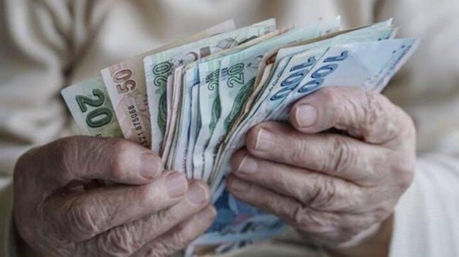Resmi Gazete'de yayımlandı: Emeklilerin bayram ikramiyesi 1100 lira oldu