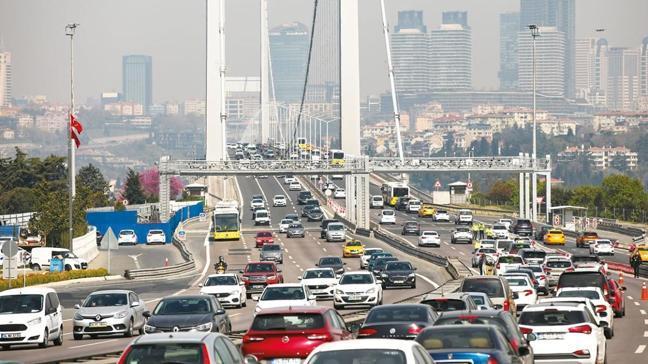 Toplu taşımada yoğunluk! Kapanmada trafik