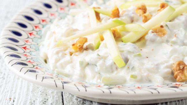 """Yeşil elmalı süzme yoğurtlu kereviz salatası tarifi ve malzemeleri! Yeşil elmalı süzme yoğurtlu kereviz salatası nasıl yapılır"""""""