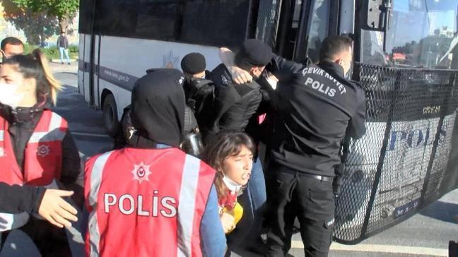 Kısıtlamaya rağmen Taksim'e yürümek isteyen grup gözaltına alındı