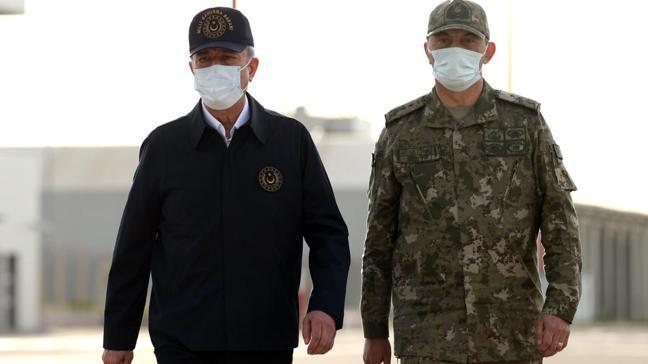 Milli Savunma Bakanı Akar Şırnak'ta