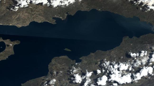 Milli Savunma Bakanlığı Van Gölü'nün Göktürk uydusundan çekilen fotoğrafı paylaştı