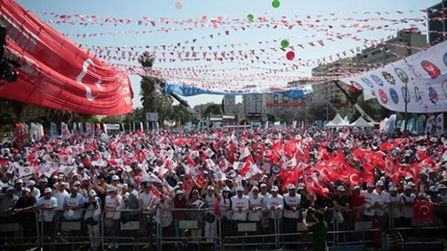 Siyasiler 1 Mayıs'ı kutladı