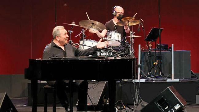 Ümit Besen'den bayrama özel konser