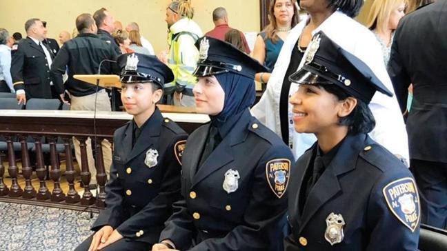 ABD'de Müslüman polise başörtüsü izni